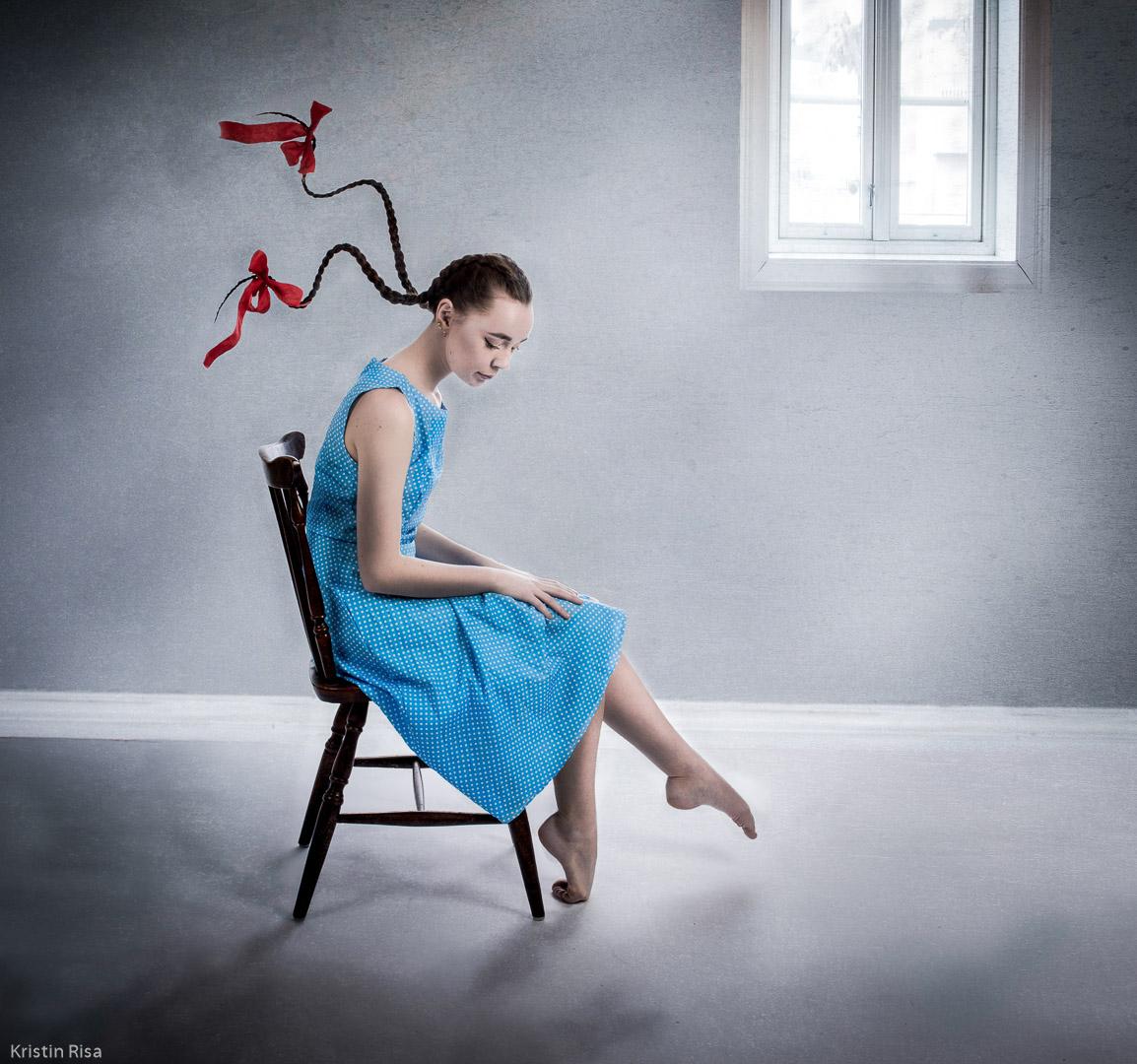 Portrett-Hederlig omtale-Kristin Risa-Sad with flying braids
