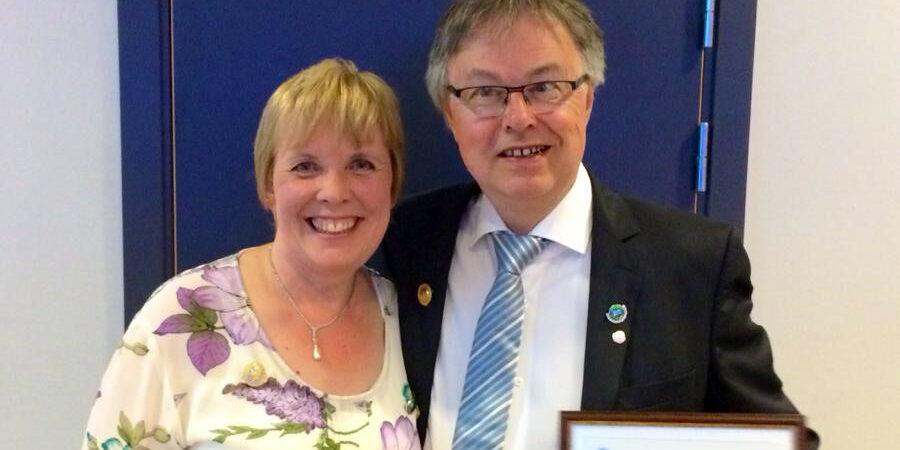 Bildet er fra NSFF sitt Landsmøte i 2014, da Halvor og hans kone Unni Brekke ble tildelt æresmedlemskap i NSFF.
